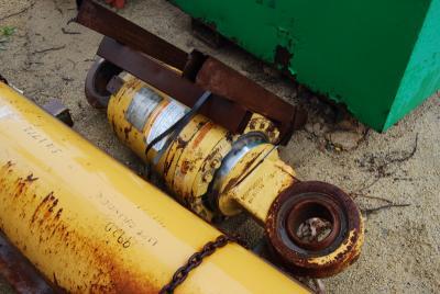 Caterpillar 1U-4651 Rear Suspension Cylinder