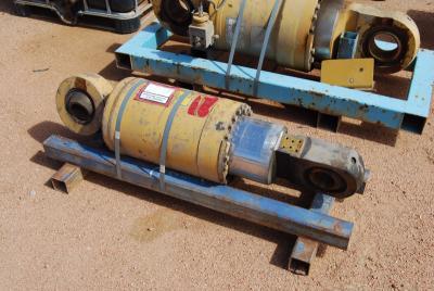 Caterpillar 1061804 Rear Suspension Cylinder