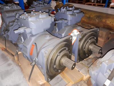 Hitachi 4439384 Swing Motor