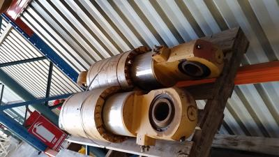 Caterpillar 8J-8865 Rear Suspension Cylinder